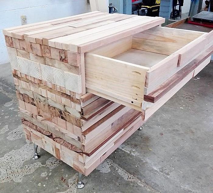 wood pallet dresser table 2