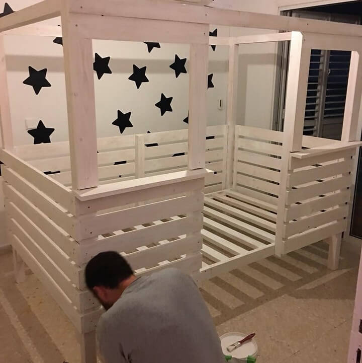diy recycled pallets kids bed house
