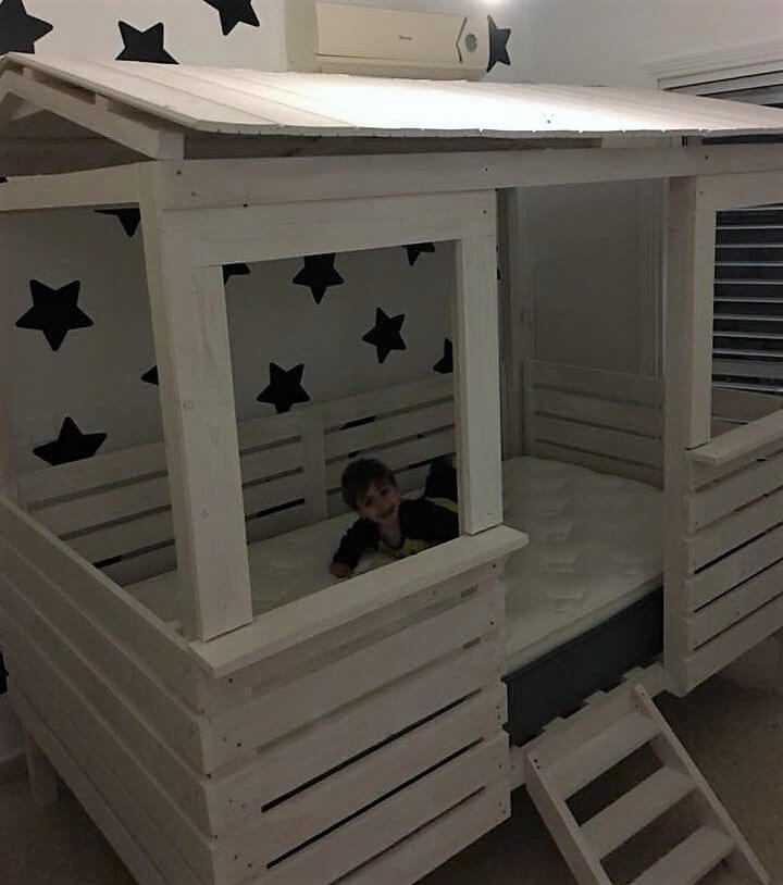 pallet wood bed house