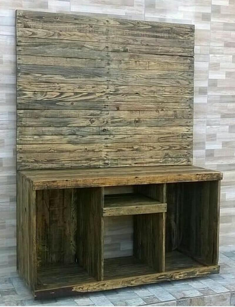 pallet media console