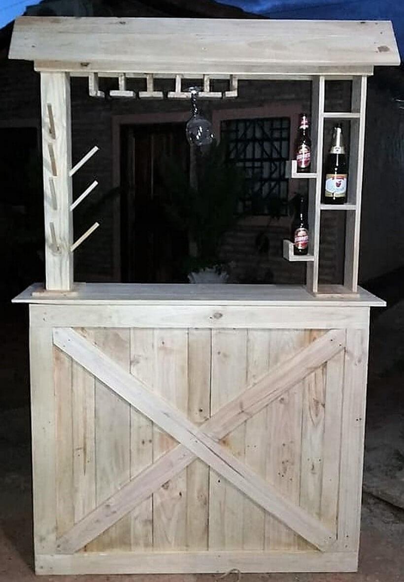 reused pallet made bar