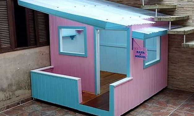 DIY Wood Pallets Made Doll House