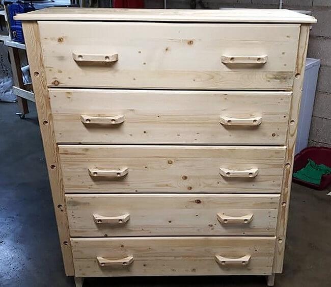 wood pallet dresser