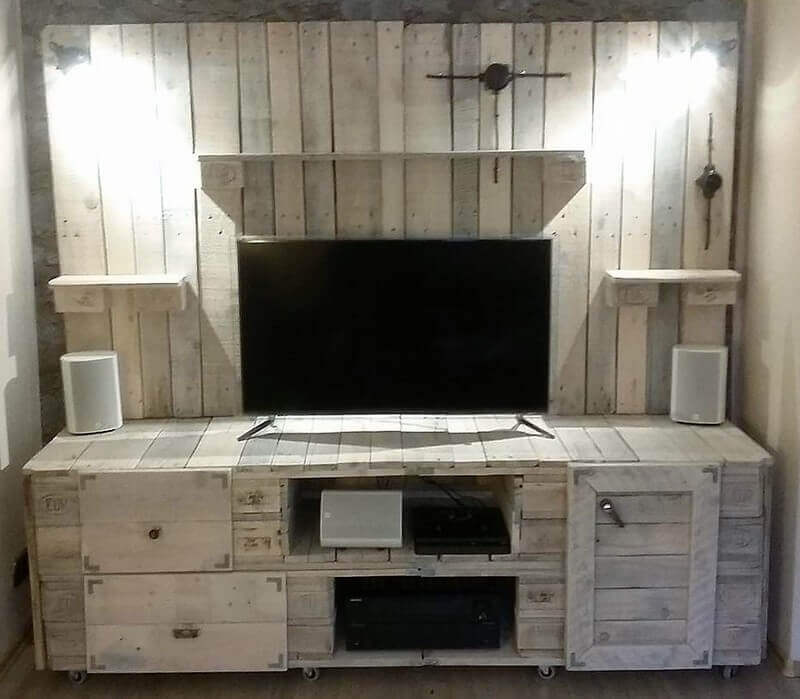Refurnish Wood Pallets To Household Items