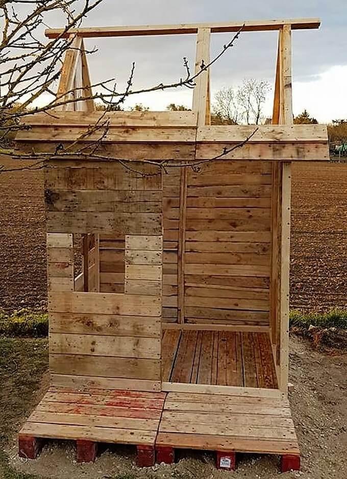 diy pallet garden cabin
