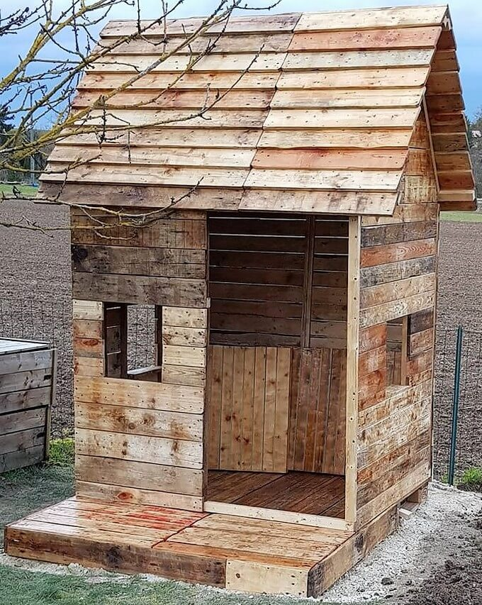 reused pallets garden cabin
