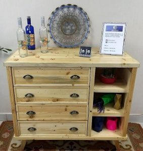 repurposed pallets wooden entrance table